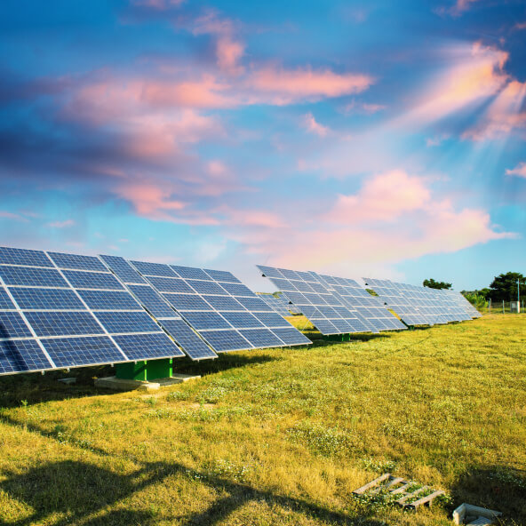 Монтаж систем альтернативної енергетики від компанії Ренеко