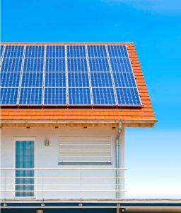 Як вибрати сонячну електростанцію для будинку?